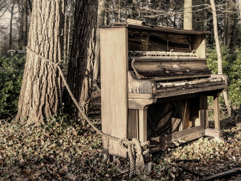 Piano, Life and Death